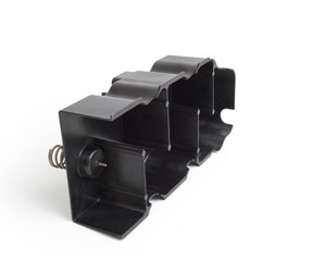 Oil baffle for motorcycle engine